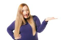 Tenuta di peso eccessivo della donna niente fotografie stock libere da diritti