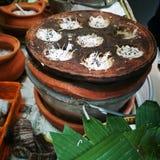 Tenuta tradizionale tailandese dolce della noce di cocco Fotografia Stock Libera da Diritti