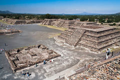 teotihuacan墨西哥的金字塔 免版税库存照片