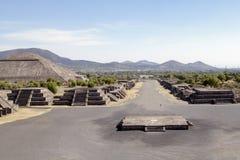 Teotihuacan金字塔在墨西哥 免版税库存图片