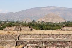 Teotihuacan阿兹台克人在墨西哥城附近破坏 免版税库存照片