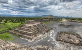 Teotihuacan,墨西哥金字塔  免版税图库摄影