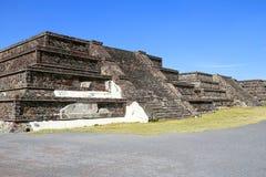 Teotihuacan fördärvar II Arkivbild