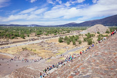 TEOTIHUACAN, MEXICO - 28 DECEMBER 2015: People on Teotihuacan Royalty Free Stock Images