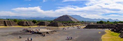 TEOTIHUACAN, MEXICO - 28 DECEMBER 2015: Teotihuacanpanorama Royalty-vrije Stock Foto