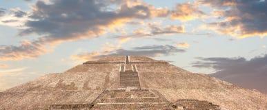 teotihuacan ostrosłupa słońce zdjęcie stock
