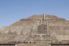 Teotihuacan pyramider i Mexico Royaltyfria Bilder