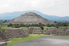 Teotihuacan, zonpiramide Royalty-vrije Stock Foto's