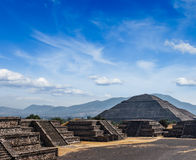Teotihuacanpiramides Stock Afbeelding
