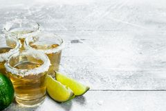 Tequila avec des cales de chaux photos libres de droits