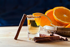 Tequila avec l'orange et la cannelle Image stock