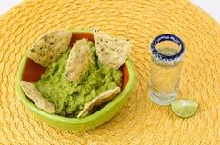 Tequila et guacamole pour la c?l?bration de Cinco de Mayo