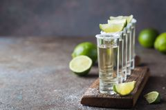 Tequila mexicaine d'or photographie stock libre de droits