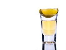 Tequila y cal imagenes de archivo