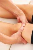 terapeutisk massage fotografering för bildbyråer