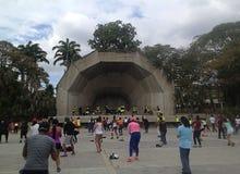 Terapia de la danza al aire libre en el parque Fotografía de archivo