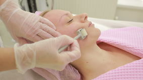 Terapia del EQUIPO, rejuvenecimiento facial, rodillo almacen de video