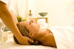 Terapia del masaje foto de archivo libre de regalías