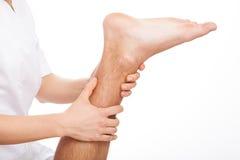 Terapia della gamba Immagini Stock Libere da Diritti