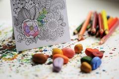 Terapia di colore e di arte Anti libro da colorare dell'adulto di sforzo Fotografie Stock Libere da Diritti