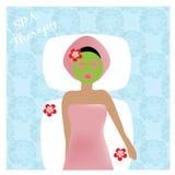 Terapia dos termas Menina que relaxa com máscara facial Imagens de Stock Royalty Free