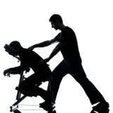 Terapia posteriore di massaggio con la presidenza Immagine Stock