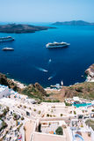 Terassenförmig angelegte Wohnungen in Fira, Santorini, die Kykladen, Griechenland Lizenzfreies Stockfoto