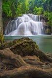 Terceiro assoalho da cachoeira de Huay Mae Kamin Imagens de Stock