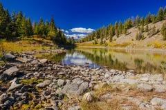 Terceiro lago, vale dos 5 lagos, Jasper National Park, Alberta Fotografia de Stock Royalty Free