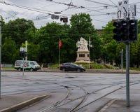 Teren i tramwajowa przerwa blisko staci kolejowej miasto Bas Zdjęcia Stock