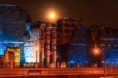 Teren Romański forum blask księżyca na lato nocy Zdjęcia Stock