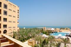 terenu hotelowy luksusowy basenu odtwarzania dopłynięcie Fotografia Royalty Free