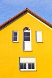 terenu podmiejski rodzinny rodzajowy domowy Fotografia Stock