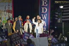 Teresa Heinz Kerry som talar från etapp av Believe i den Amerika aktionen, turnerar, Kingman, AZ Royaltyfria Bilder