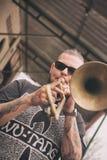 Teresopolis, el Brasil - 4 de junio de 2016 Jugador de Trombone Imagen de archivo
