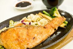 Teriyaki del salmone della griglia Immagine Stock