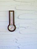 Termómetro exterior Foto de archivo