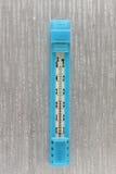 Termómetro para medir la temperatura en el cuarto fotografía de archivo