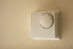Termóstato de la caldera de la calefacción casera Imagenes de archivo