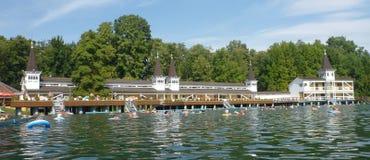 Termal sjö i Heviz i Ungern Fotografering för Bildbyråer