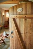 termas, abrandamento e cuidados médicos na sala de madeira da sauna Fotografia de Stock