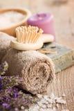 Termas com alfazema e toalha Foto de Stock Royalty Free