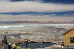 Termas de Polques 撒拉族de Chalviri 安地斯山的avaroa eduardo动物区系国家储备 流星锤 库存照片