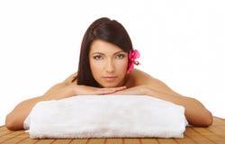 Termas de relaxamento da mulher bonita imagem de stock royalty free