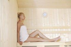 Termas e tratamento do wellness na sauna Fotografia de Stock Royalty Free