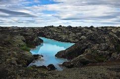 Termas geotérmicas da lagoa azul perto de Grindavik, Islândia imagens de stock