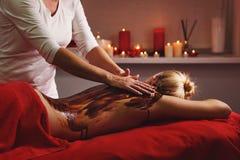 Termas - 7 Massagem com máscara hidratando fotos de stock royalty free