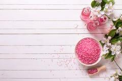 Termas ou bem-estar que ajustam-se na cor cor-de-rosa Fotos de Stock