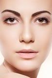 Termas, skincare & saúde. Mulher com pele macia limpa Imagem de Stock