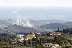 Termiczna elektrownia w krajobrazie Obraz Stock